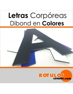 Corpóreas de dibond en color