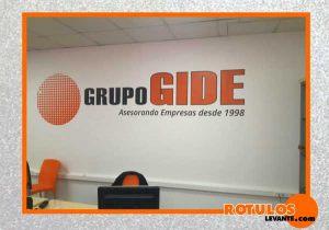 Logotipo en vinilo de impresión