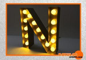 Inicial en aluminio iluminación vintage