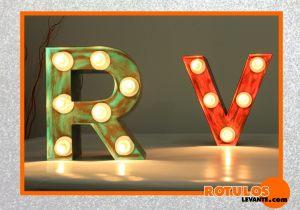 Letras luminosas efecto vintage
