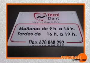 Metacrilato clinica dental